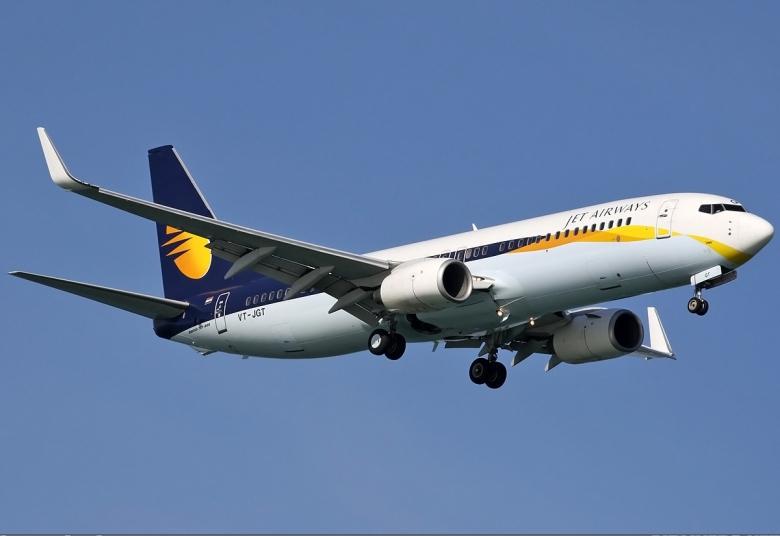 Jet_Airways_Boeing_737-800_Spijkers