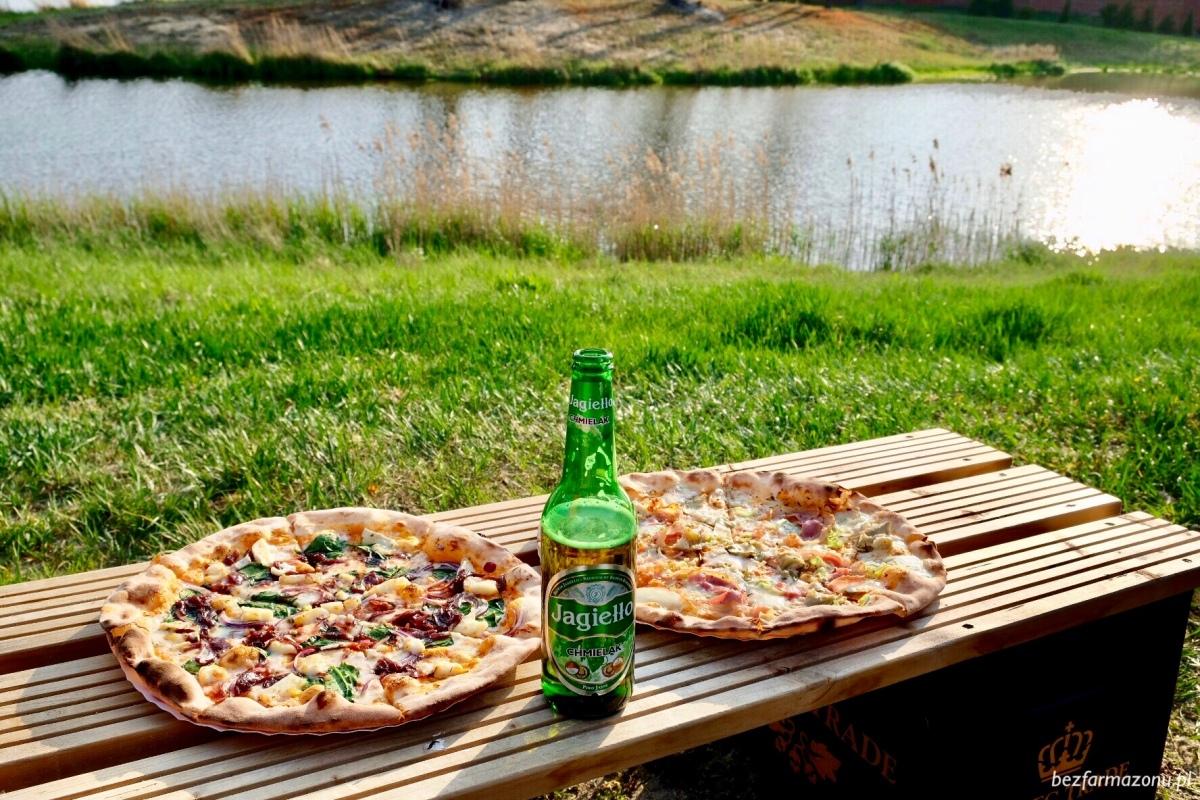 Na świeżym powietrzu smakuje najlepiej - Jama Pizza - Krasnobród, ul. Sikorskiego